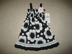 "NEW """"BLACK DAISY EYELET"""" Smocked Dress Girls 6 Spring Summer Boutique Clothes"